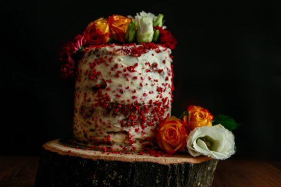 tort cu ciocolată și zmeură